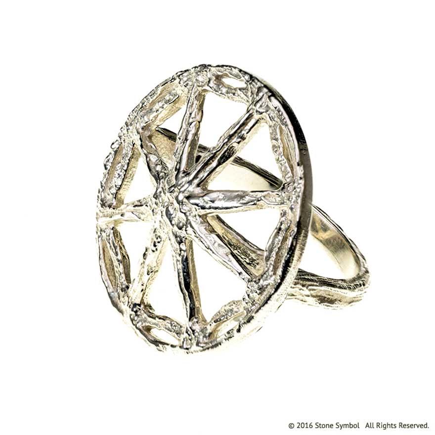 Antiquity Ring White